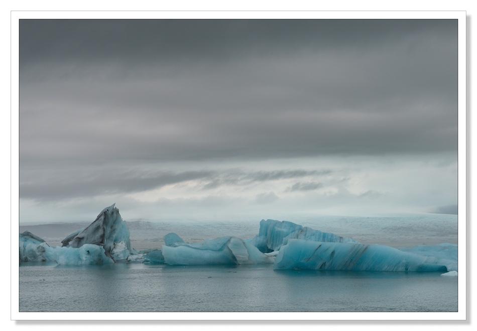 Jökulsárlón, Jokulsarlon landscape photograph, Icebergs floating in the lagoon, glacier, Iceland