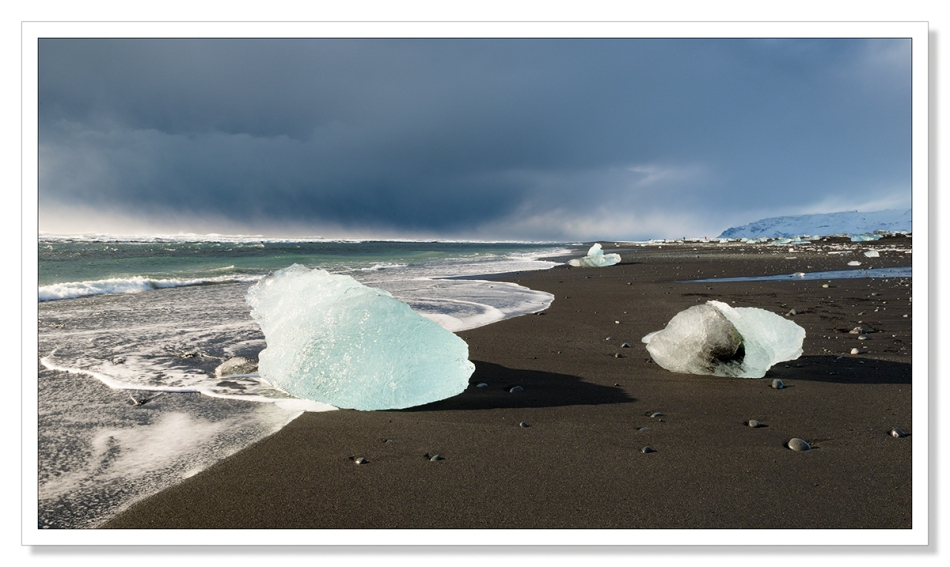 Icebergs on the beach at Jökulsárlón
