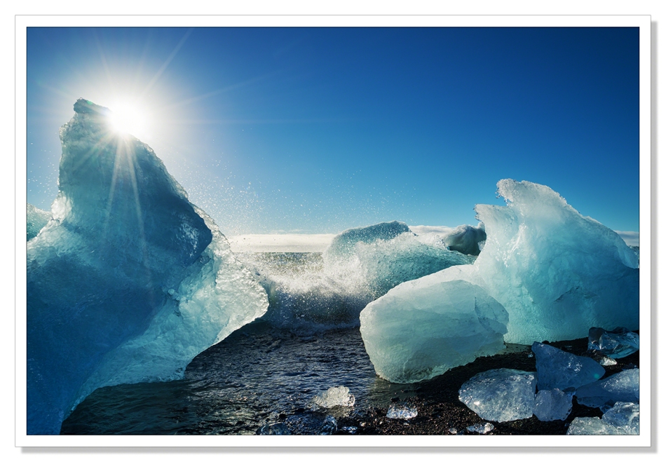 Icebergs on the beach - Jokulsarlon - Adrian Theze